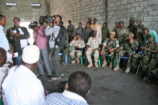 Kismayo - port meeting
